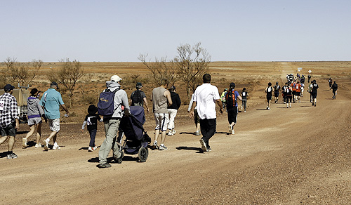 The Great Breakaway Bolt begins with enthusiatic Coober Pedians celebrating Father's Day in September 2009