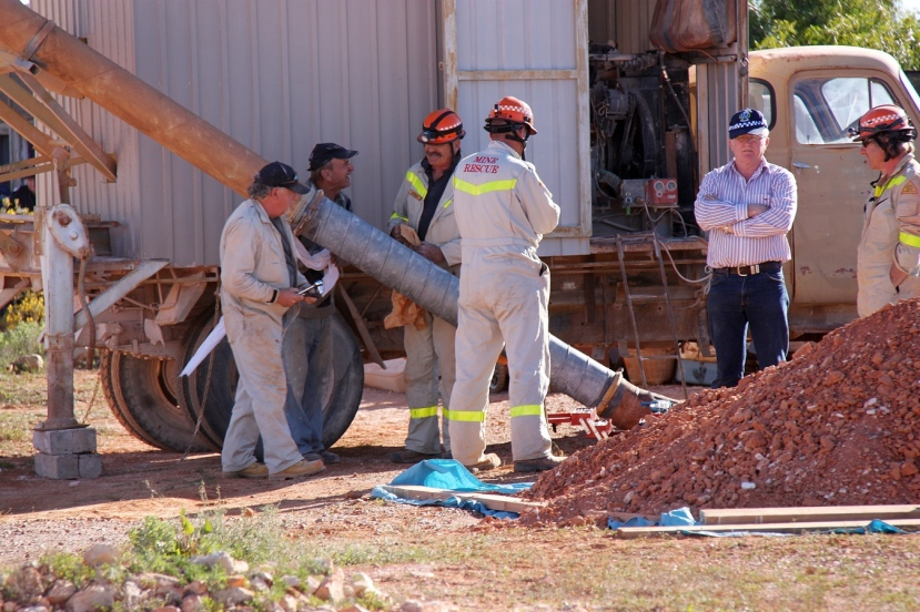 Coober Pedy Mine Rescue Squad Volunteers and Police conclude day 3 of the search for Karen Williams
