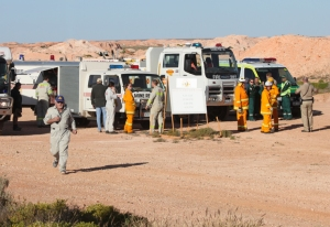 Coober Pedy Mine Rescue Services, CFS, SAAS and Police coordinate services to search for a missing man. Photo CPRT
